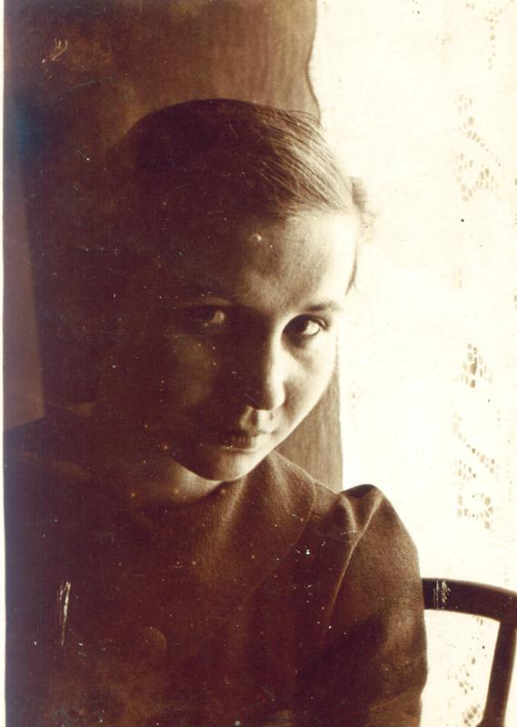 Satenig Kalustian, sora lui Leon Kalustian