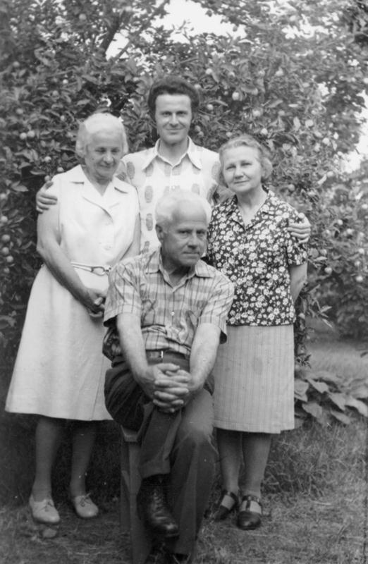 Membrii ai familiei Kalustian