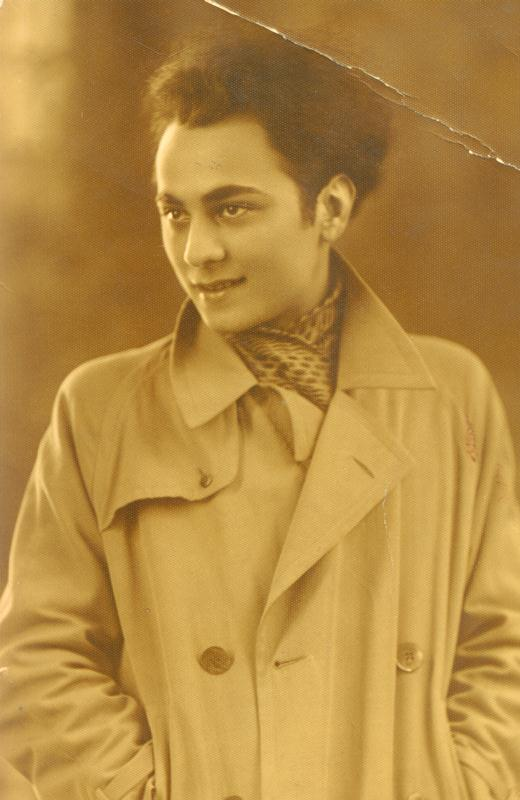 Leon Kalustian în tinerețe