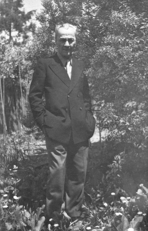 Leon Kalustian