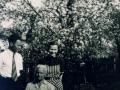 Iulia Kalustian cu sora și fratele lui Leon
