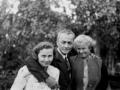 Leon Kalustian și surorile sale